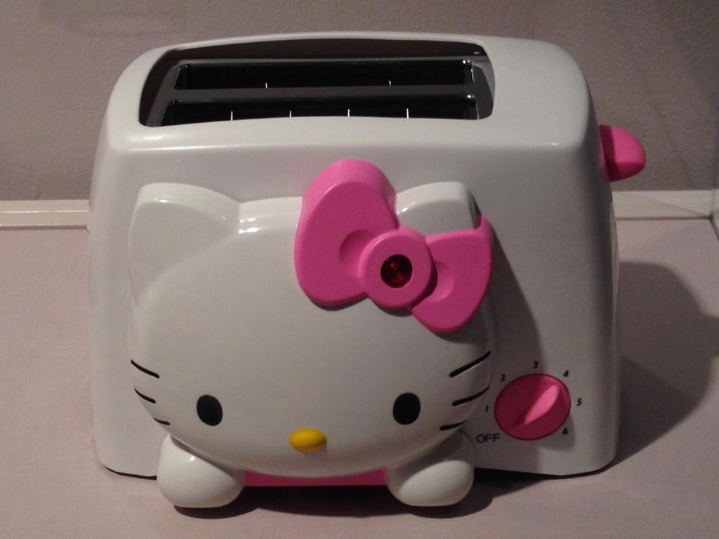 hello-kitty-toaster